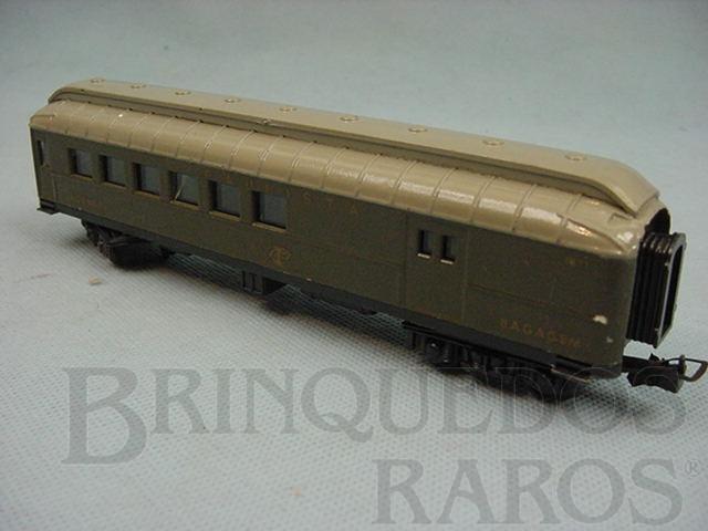 Brinquedo antigo Carro de Passageiros verde Companhia Paulista segunda classe e bagagem Década de 1960