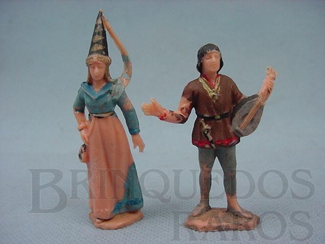 Brinquedo antigo Princesa Medieval e Trovador com Alaúde