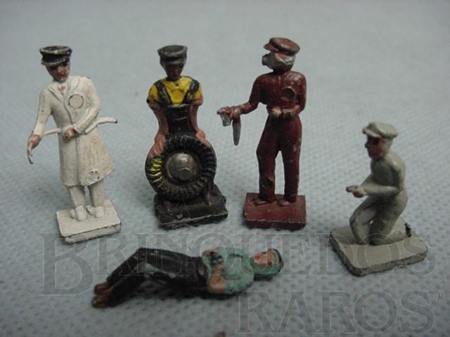 Brinquedo antigo Conjunto de cinco Frentistas de Posto de Gasolina. Década de 1950