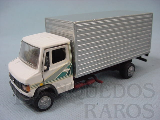 Brinquedo antigo Mercedes Benz Baú