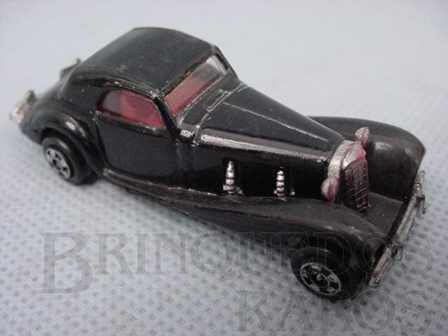 Brinquedo antigo Bugatti com inscrição P.Z.F. Manaus década de 1970