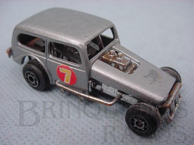 Brinquedo antigo Carretera com inscrição P.Z.F. Manaus década de 1970