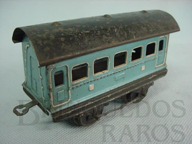 Brinquedo antigo Carro de Passageiros azul com 2 eixos Década de 1940