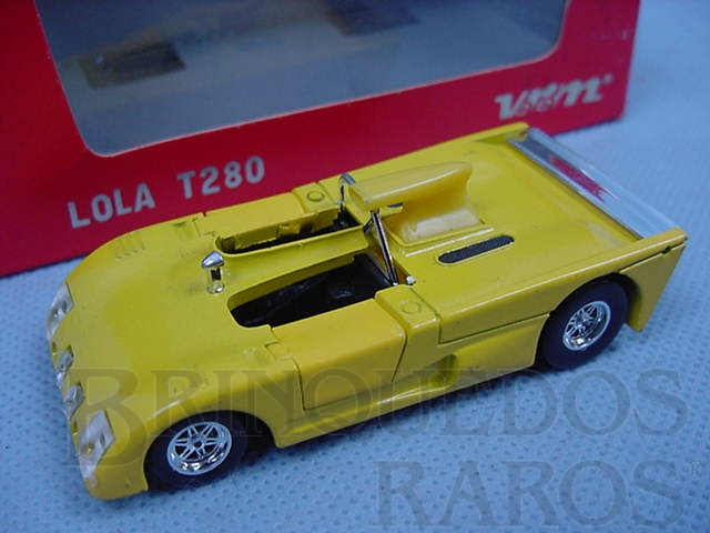 Brinquedo antigo Lola T 280 Le Mans 1973 amarela Cópia Solido Datada  4-1973