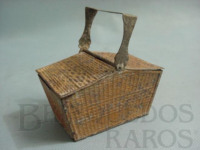 Brinquedo antigo Cesta de Pic Nic para Boneca com 10,00 cm de comprimento Década de 1930