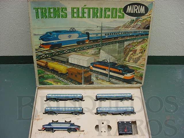 Brinquedo antigo Conjunto de Locomotiva e quatro Carros de Passageiros Companhia Paulista Corrente Alternada Atma Mirim Década de 1950