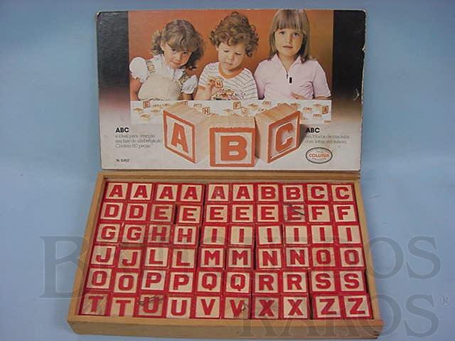 Brinquedo antigo Conjuntos de Blocos com as Letras do Alfabeto Década de 1970