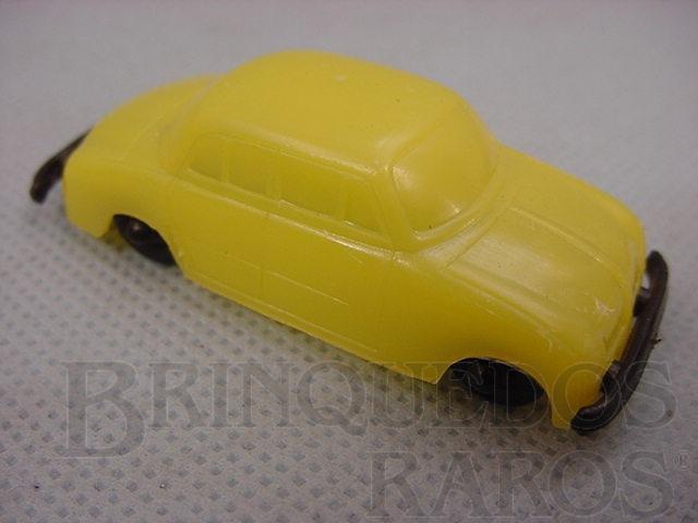 Brinquedo antigo Renault Gordini com 6,00 cm de comprimento brinde Toddy Década de 1960