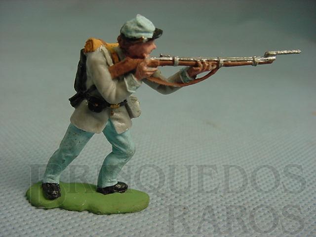 Brinquedo antigo Soldado Confederado atirando com fuzil Década de 1950 Figura Matriz para Soldado Fanabri Batalha do Tuiuti