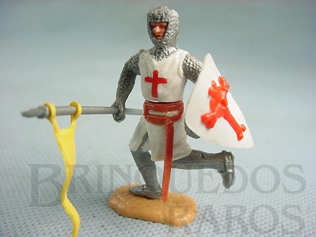 Brinquedo antigo Soldado Cruzado a pé com escudo e lança Década de 1970