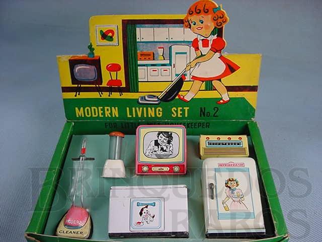 Brinquedo antigo Conjunto de seis eletrodomésticos para boneca Modern Living Set Década de 1960