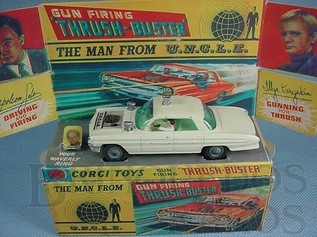 Brinquedo antigo Carro do Agente da UNCLE The Man fron U.N.C.L.E. Branco completo com anel Década de 1960