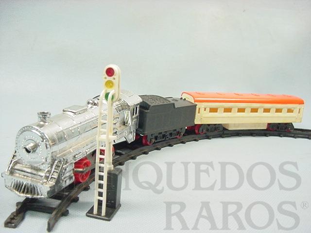 Brinquedo antigo Expresso Fumacinha Conjunto com Locomotiva a vapor Carro de Passageiros sinal e trilhos Ano 1975