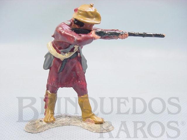 Brinquedo antigo Caçador de pé atirando com rifle Série Planície Selvagem cópia Elastolin