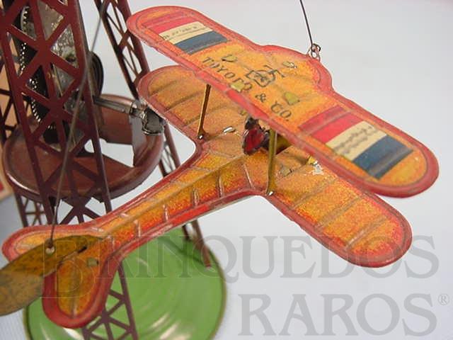 Brinquedo antigo Avião biplano com 7,00 cm de comprimento Apresenta nas asas a bandeira da França Final da década de 1920