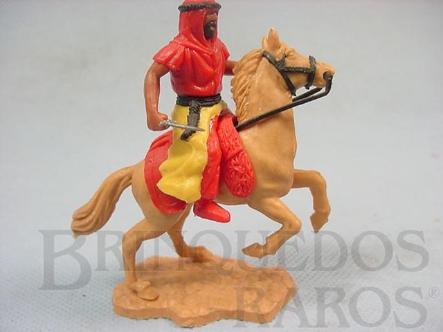 Brinquedo antigo Beduíno a cavalo com adaga
