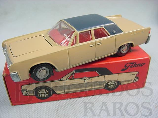 Brinquedo antigo Lincoln  Continental marrom e azul Década de 1970