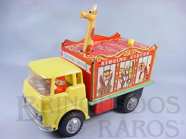 Brinquedo antigo Caminhão Singing Circus com Girafa Dispositivo à pilha com som de Circo 27,00 cm de comprimento Década de 1970