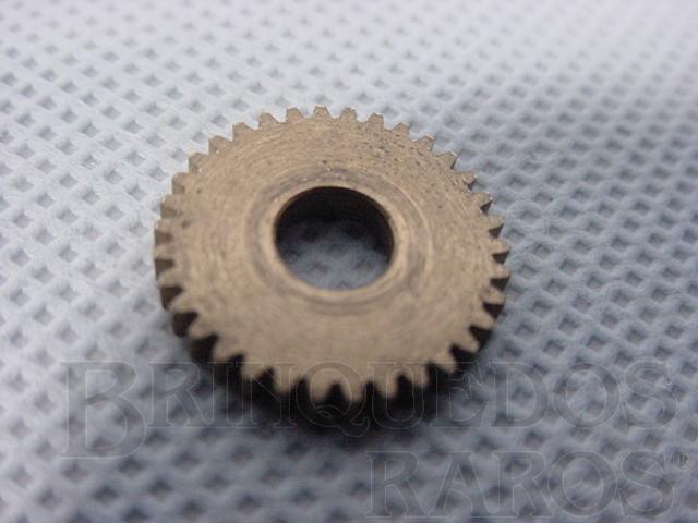 Brinquedo antigo Engrenagem de latão com 34 dentes para carros Ford Mustang e Chaparral Série Atma Pista Década de 1960