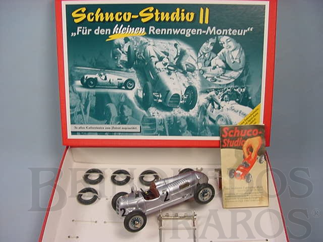 Brinquedo antigo Conjunto para montar Auto Union 16V Type C 1937 com ferramentas e pneus sobressalentes Schuco Studio II Réplica do Carro fabricado na década de 1940 Edição Limitada 1.000 unidades produzidas Ano 2004