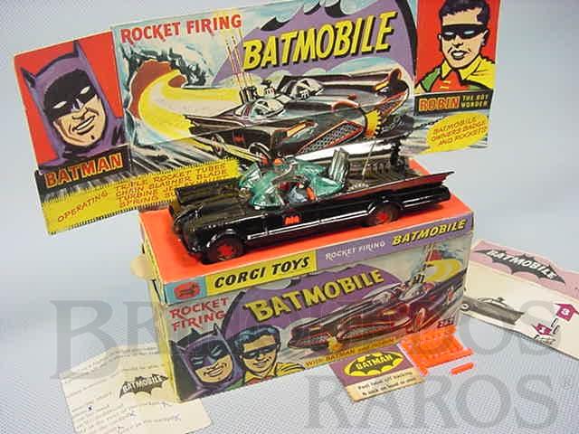 Brinquedo antigo Carro do Batman Batmobile Batmóvel primeira versão completo Ano 1966