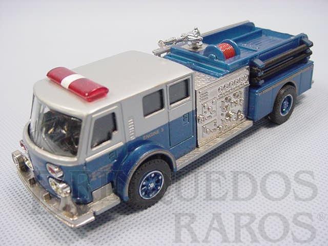 Brinquedo antigo Caminhão de Bombeiro com cinco figuras American LaFrance Fire Bumper Década de 1990