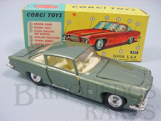 Brinquedo antigo Ghia L 6.4 with V8 Chrysler Engine and the Corgi Dog Versão verde Ano 1965