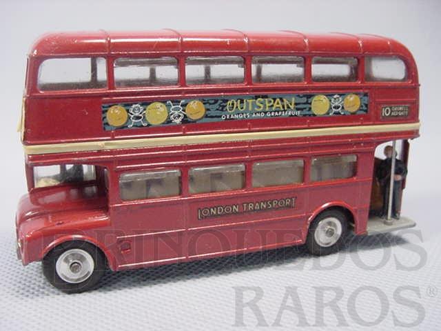 Brinquedo antigo Routemaster London Bus Outspan com duas figuras Década de 1970