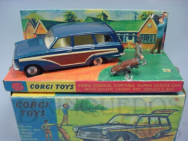 Brinquedo antigo Ford Consul Cortina Super Estate Car azul Com display e figuras Ano 1967