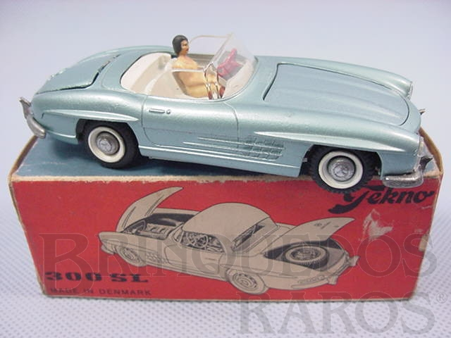 Brinquedo antigo Mercedes Benz 300 SL conversível completo com motorista Década de 1960