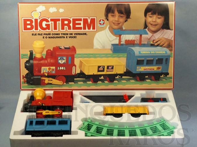 Brinquedo antigo Conjunto Big Trem com uma Locomotiva dois Vagões e Trilhos Década de 1980