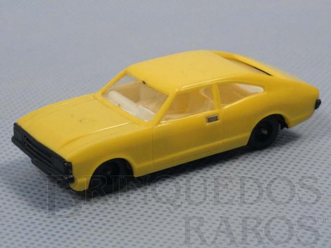 Brinquedo antigo Ford Consul amarelo Década de 1980