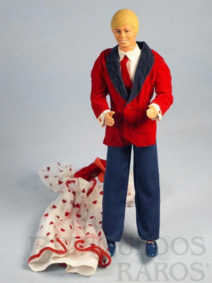 Brinquedo antigo Boneco Ken e vestido da Barbie Década de 1980