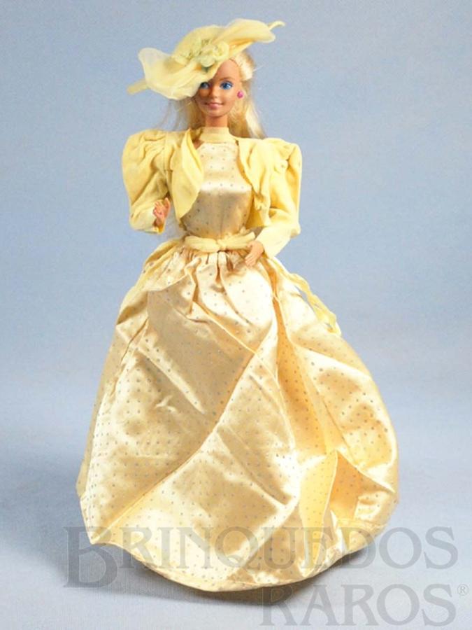 Brinquedo antigo Boneca Barbie Jewel Secrets Serie vestido amarelo Década de 1980