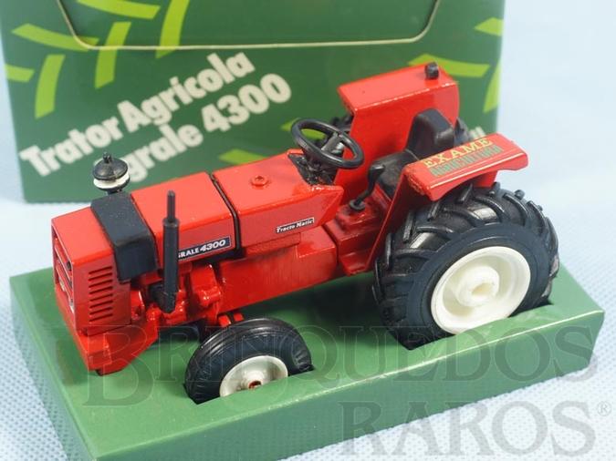 Brinquedo antigo Trator Agrícola Agrale 4300 com 12,00 cm de comprimento Brinde Revista Exame Agricultura