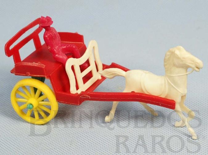 Brinquedo antigo Charrete com 13,00 cm de comprimento Década de 1960