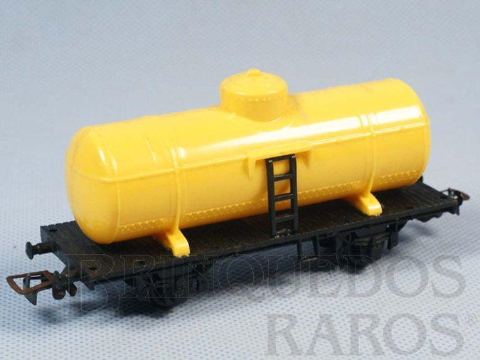 Brinquedo antigo Vagão Tanque com dois eixos Amarelo Década de 1970