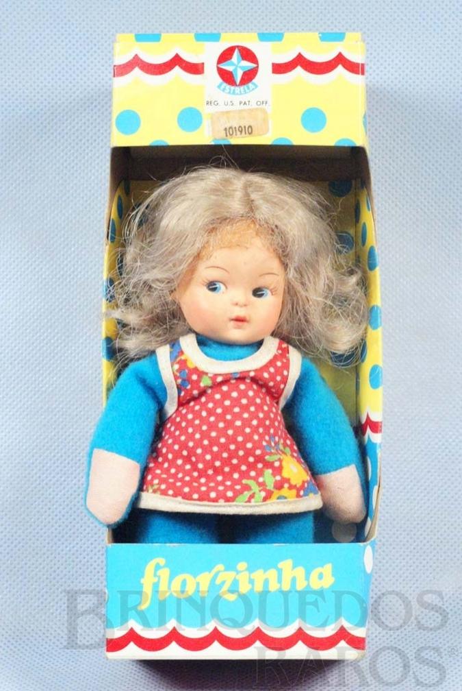 Brinquedo antigo Boneca Florzinha com 17,00 cm de altura Década de 1980