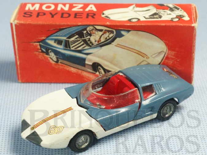 Brinquedo antigo Monza Spider versão conversível