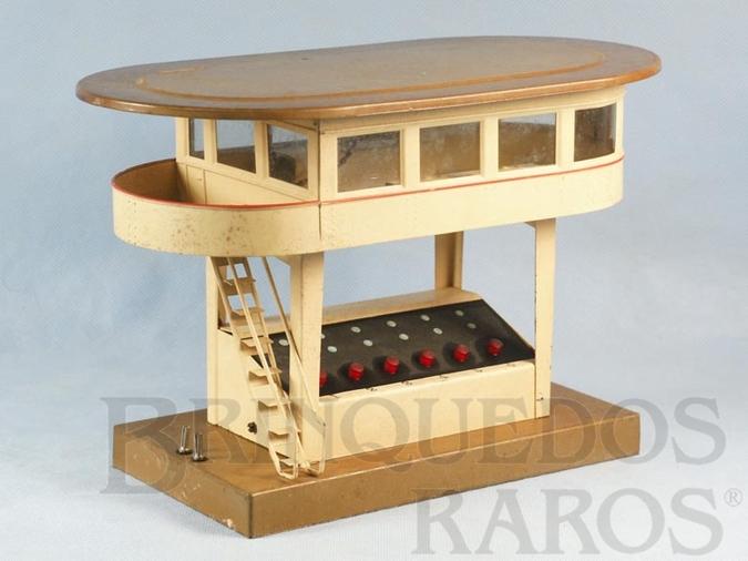 Brinquedo antigo Cabine de Comando com 29,00 cm de comprimento e 17,00 cm de altura Bitola 0 Saída para 6 Desvios Década de 1930