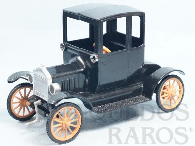 Brinquedo antigo Calhambeque Ford T 1911 Vovomóvel com 19,00 cm de comprimento Movimento por Elástico Década de 1960