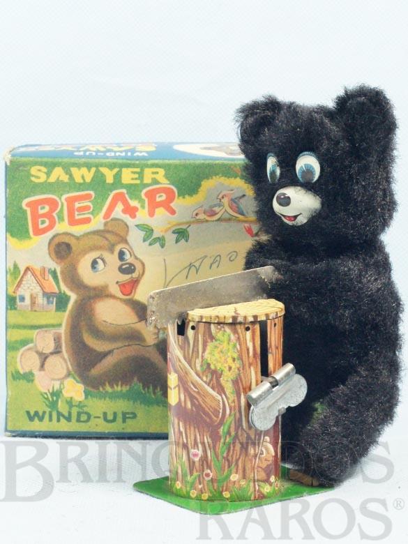 Brinquedo antigo Urso serrando lenha Sawyer Bear com 14,00 Cm de altura Década de 1960