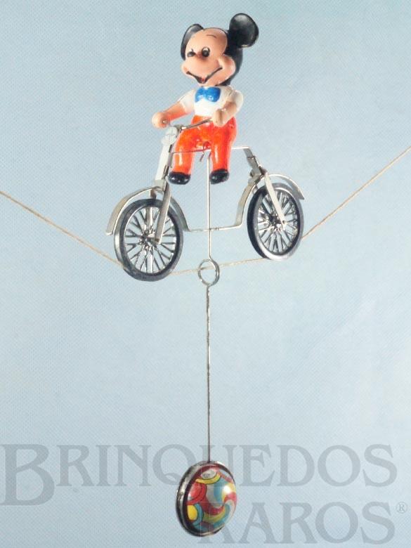 Brinquedo antigo Mickey Equilibrista com 9,00 cm de altura Walt Disney Década de 1960