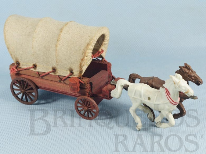 Brinquedo antigo Carroça Casablanca Coberta com dois cavalos  Rodas traseiras numeradas 70 Ano 1968