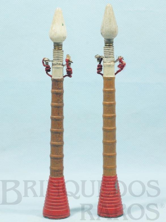 Brinquedo antigo Postes de iluminação pública 20,00 cm de altura Década de 1930 Preço por unidade