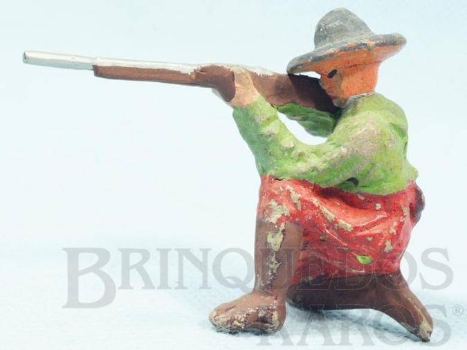 Brinquedo antigo Soldado Mexicano ajoelhado com fuzil