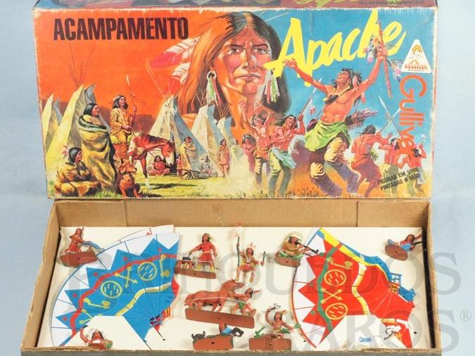 Brinquedo antigo Conjunto Acampamento Apache completo com 6 Tendas  2 Cavalos e 8 Índios Atlantic Ano 1986