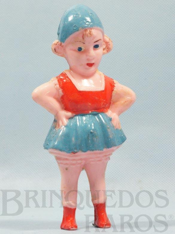 Brinquedo antigo Boneca Chocalho com 15,00 cm de altura Década de 1950