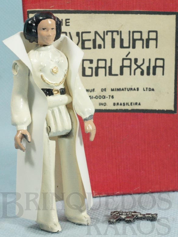 Brinquedo antigo Princesa Leia Organa com 10,00 cm de altura Completa com Capa e Arma Série Novas Aventuras nas Galáxias Guerra nas Estrelas Star Wars Ano 1983