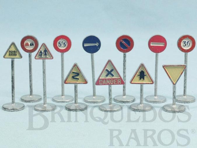 Brinquedo antigo Conjunto Completo de doze Placas de Sinalização de Trânsito Ano 1958